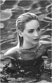 Аватар вконтакте Американская актриса кино и телевидения Дженнифер Лоуренс / Jennifer Lawrence в воде
