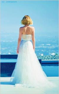 Аватар вконтакте Американская актриса кино и телевидения Дженнифер Лоуренс / Jennifer Lawrence в белом платье