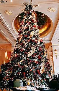 Конкурсная работа Новогодняя елка в зале ресторана
