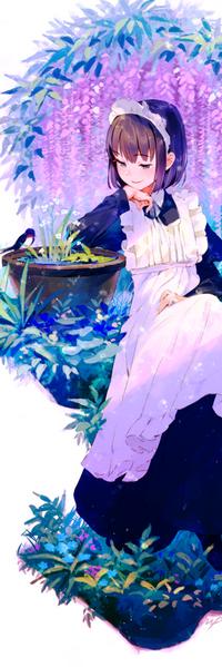 Аватар вконтакте Девушка сидит на фоне цветущей глицинии