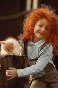 Аватар вконтакте Рыжеволосая девочка с рыжей кошкой