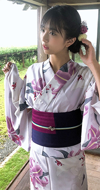 99px.ru аватар Певица Иноуэ Рэй в кимоно и цветами в волосах