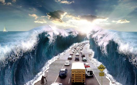 Обои Моисей пропускает машины через океан