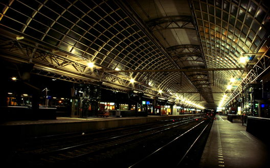 Обои Станция метро, огоньки, рельсы