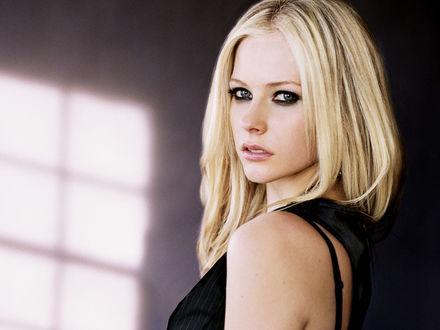 ���� ����� ����� Avril Lavigne