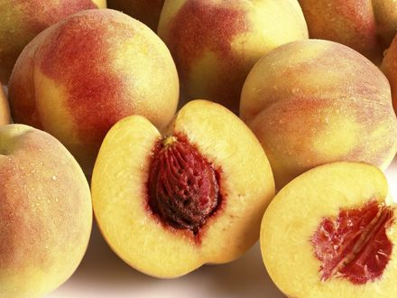 Обои <p>Спелые персики</p>