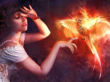 Обои Девочка закрывает лицо, чтобы не обжечься ярким сиянием птицы