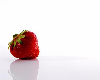 Обои Красна ягода-клубника