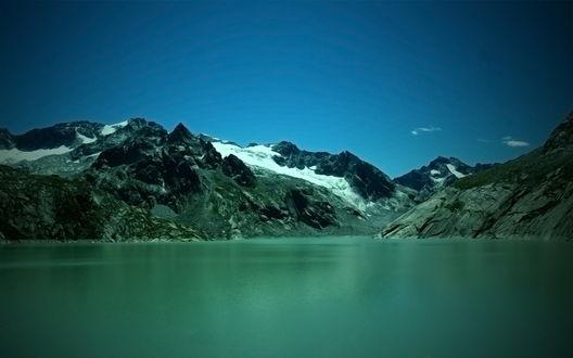 Обои Зеленое горное озеро