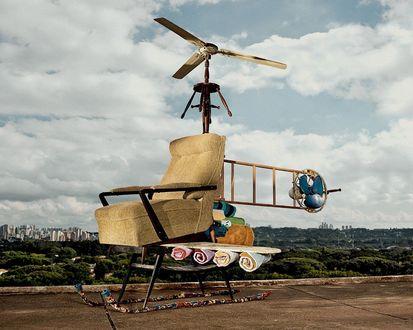 Обои Позитивный вертолёт, управляется телекинезом