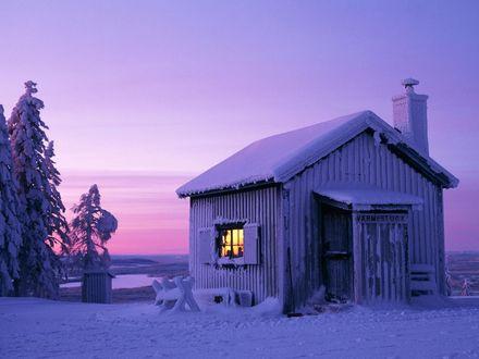 Обои Красивый домик  в зоне вечной мерзлоты (Varmestuga)