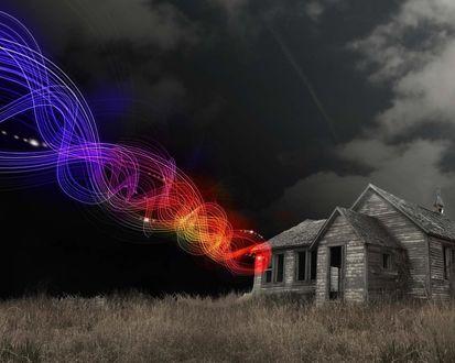 Обои Деревянный дом, картинку оживляет прилепленная абстракция