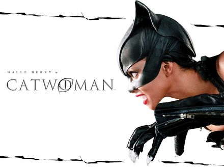 Обои Halle Berry is Catwoman (Женщина-кошка)
