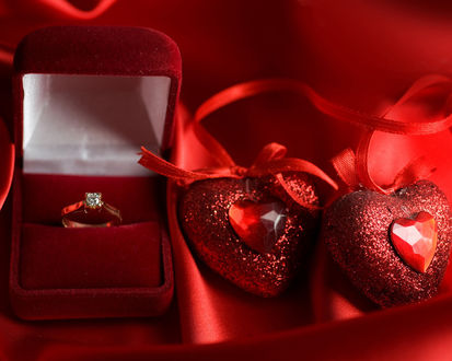 Обои Кольцо и два сердца