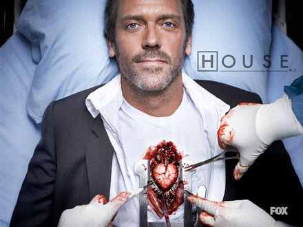 Обои Хаусу делают операцию на сердце в сериале «House M. D.» (House M. D.)