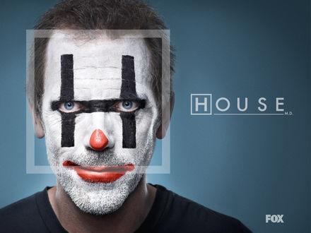 Обои Хаус загримирован под клоуна в сериале «House M. D.» (House M. D.  Fox)