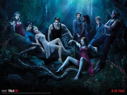 Обои True blood (настоящая кровь) Do bad things. Сборище вампиров на привале.