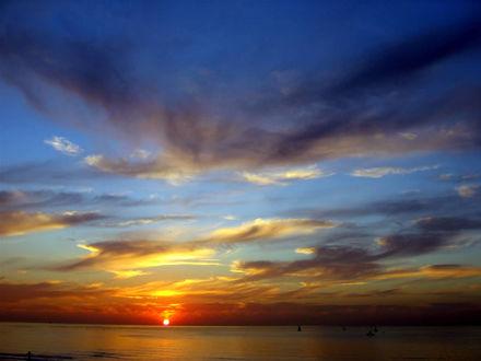 Обои Красивый закат на море