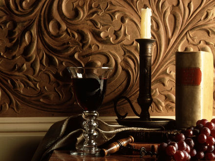 Обои Натюрморт - свеча, виноград книга и вино