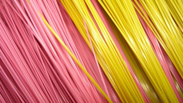 Обои Розовые и желтые провода