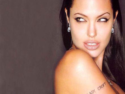 Обои Анджелина Джоли (Татушка Lady Croft)