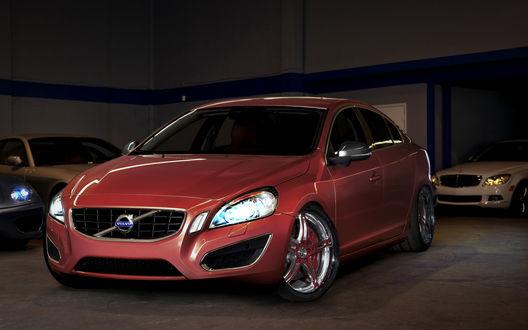 Обои Новенькая красная Volvo