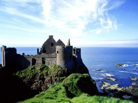 Обои Данлус замок, расположенный на северном побережье Антрим Ирландия
