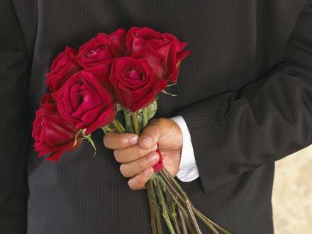 Обои Розы в подарок