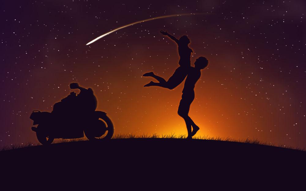 Обои для рабочего стола Пара влюблённых загадала желание на падающую звезду