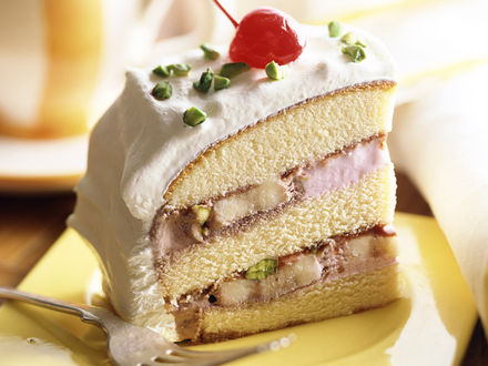 Обои Кусочек аппетитного тортика