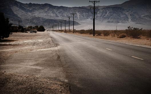 Обои Американская дорога, уходящая в горы