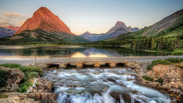 Обои Пейзаж. Разлив реки , мост и следом водный перевал