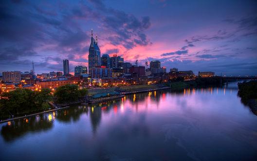 Обои Нэшвилл, штата Теннесси, США / Nashville Tennessee, USA на берегу реки Камберленд / Cumberland