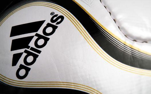 Обои Футбольный мяч крупно (adidas)