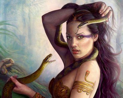 Обои Девушка в лесу со змеёй в руках