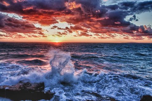 Обои Волны на закате