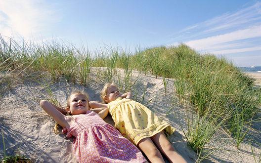 Обои Дети на пляже