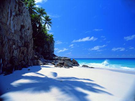 Обои Пляж острова-отеля Фрегат на Сейшельских островах