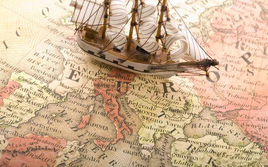 Обои Кораблик и карта Европы (Europa)