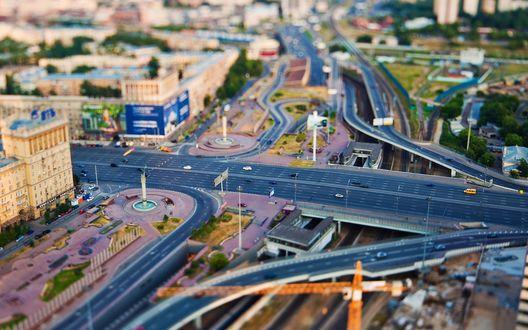 Обои Миниатюрная Москва от Дмитрия Чистопрудова. Фотограф запечатлил город с высоты 200 метров с башни «Федерация». Город снят как игрушечный - эффект Тилт шифт (Tilt Shift)