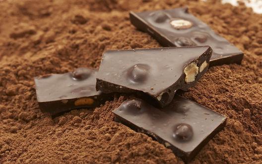 Обои Шоколад с лесными орехами