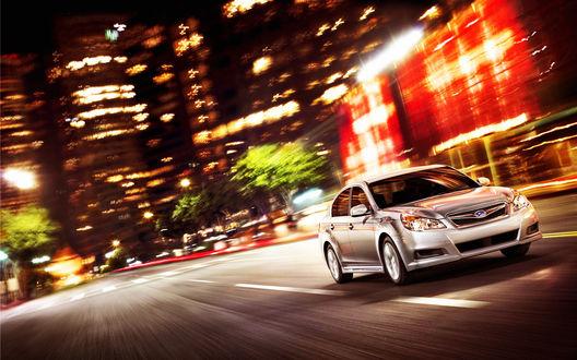 Обои Subaru Legacy в ночном городе