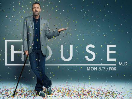 Обои Доктор-Хаус под дождем из разноцветных таблеток (House M. D. MON 8/7c FOX)