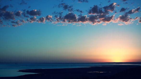 Обои Закат на берегу моря