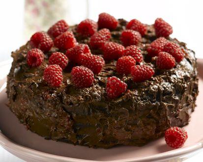 Обои Шоколадный торт с малиной