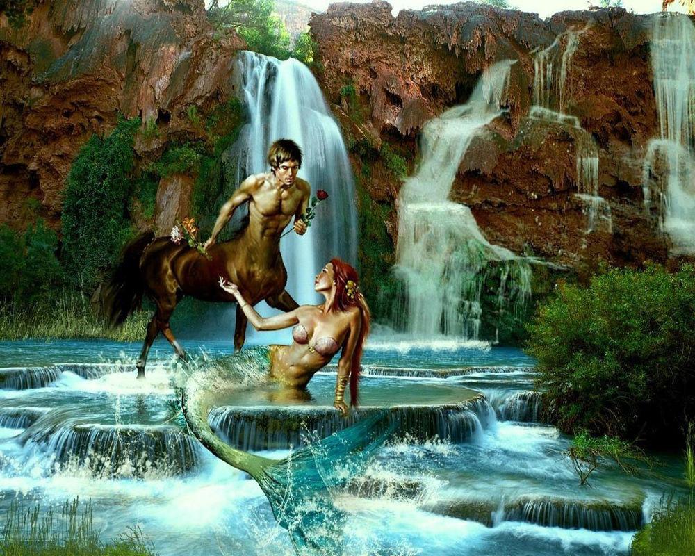 Анимации девушки у водопада