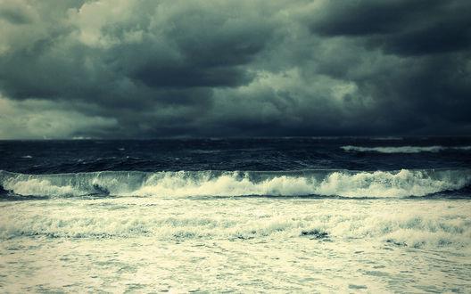 Обои Море и грозовые тучи