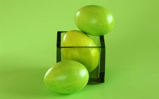 Обои Зеленые пасхальные яйца