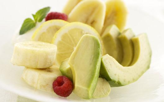 Обои Фруктовые дольки (лимон, банан, авокадо, малина)