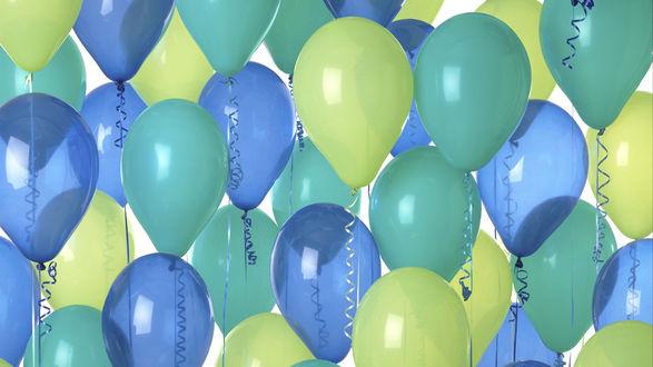 Обои Желтые и голубые шарики наполненные гелием